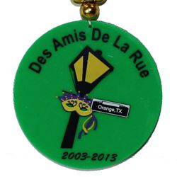 """Memorial """"Des Amis De la Rue 2003-2013"""" medallion"""