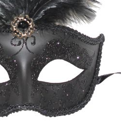 Venetian Masks: Black Mask with Large Black Ostrich Feathers